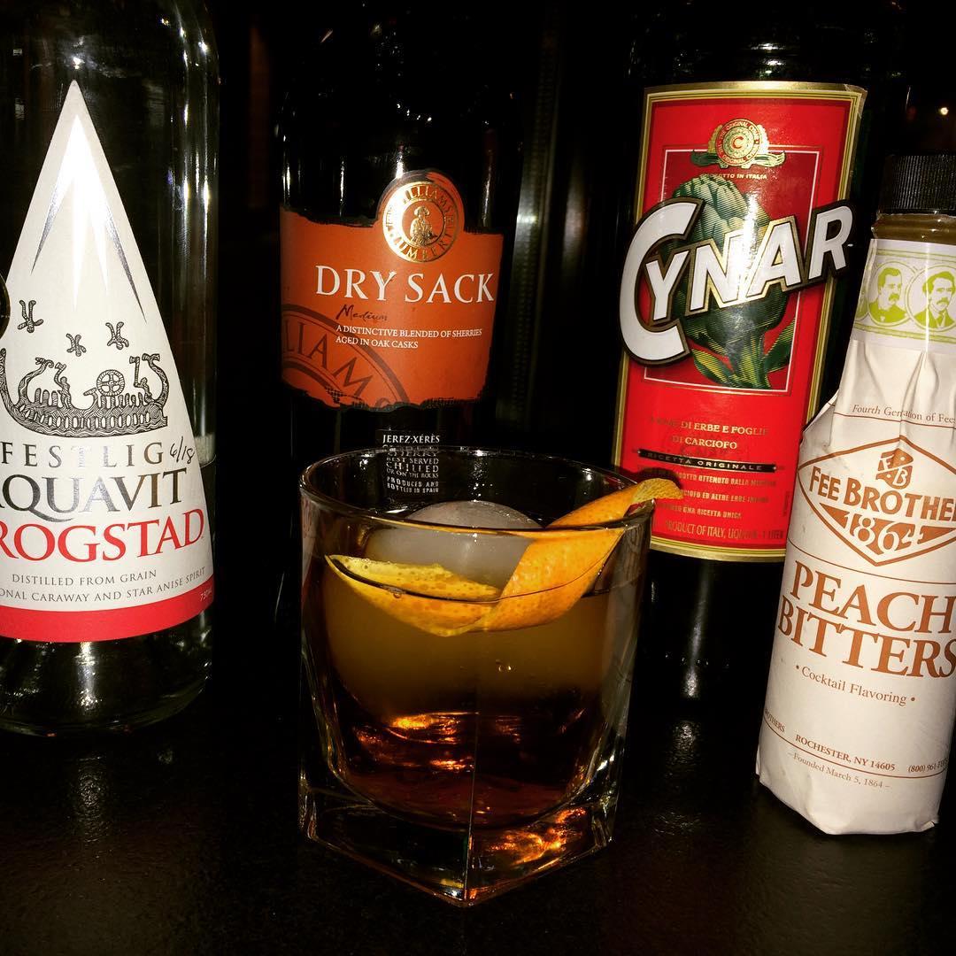 #cocktailoftheweek #localwhiskeybar #roberthess #sherrycocktails #aquavit #cynar #feebrothers #tridentcocktail
